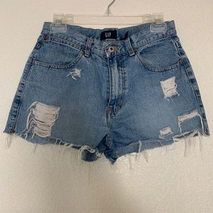 Gap distressed high rise shorts size 8